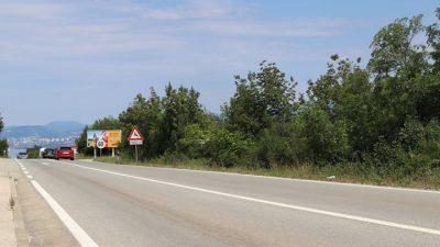 Vozač u Vrbniku teško ozlijedio dvoje motociklista pa pobjegao s mjesta nesreće