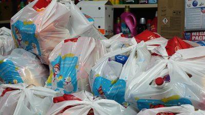 Potrebitim krčkim obiteljima stižu izdašni blagdanski poklon-paketi