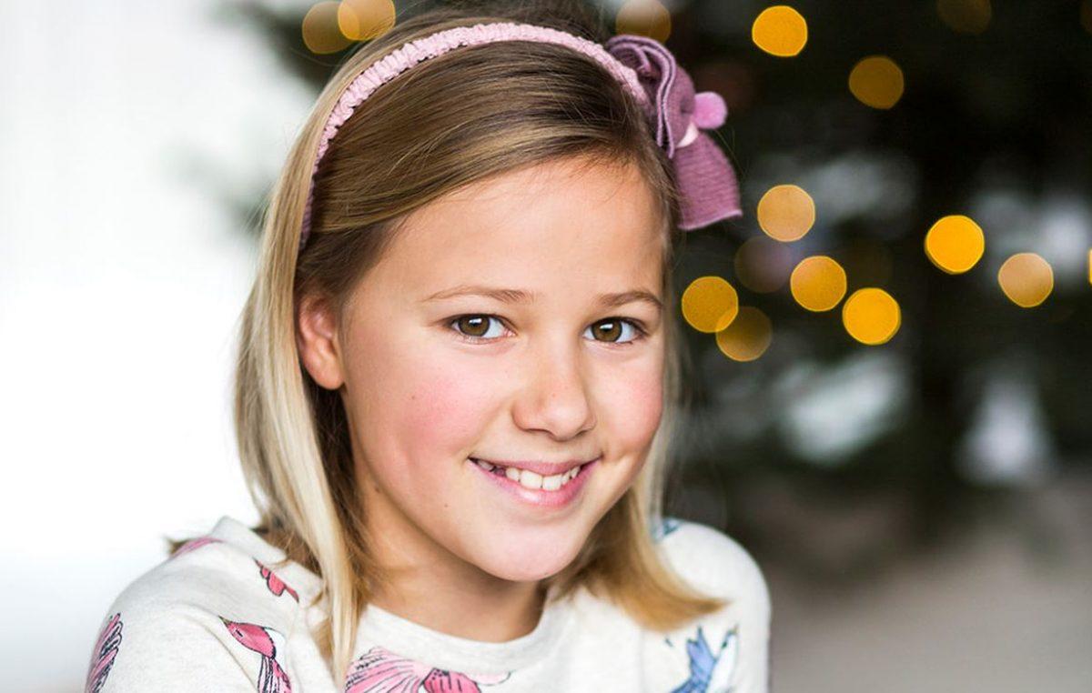 """VIDEO Upoznajte djevojčicu Aureliju Stašić i njenu božićnu pjesmu """"Što je Božić?"""""""