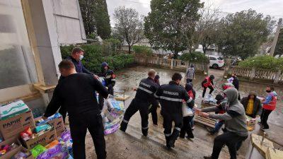 VIDEO Kombiji puni donacija krenuli sa Krka prema Petrinji, Glini i okolici. Akcija se nastavlja, evo čega nedostaje