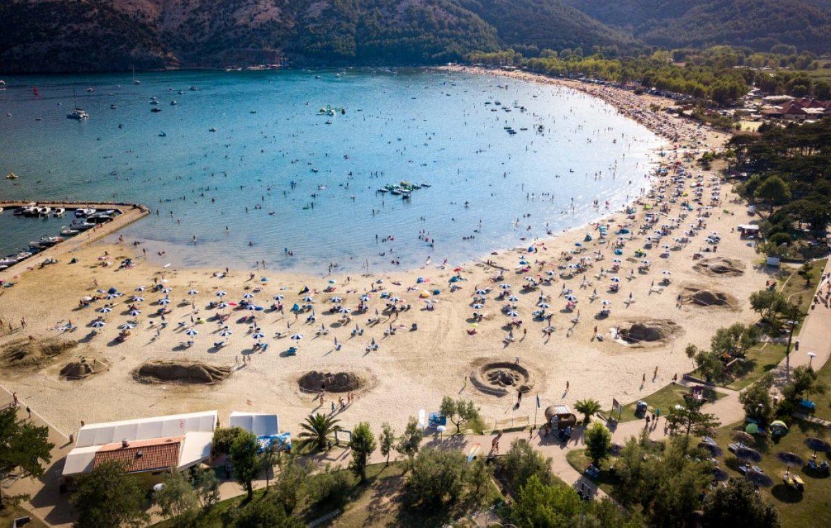 Rajska plaža u Loparu ugostit će Jubilarno 10. izdanje Festivala skulptura u pijesku