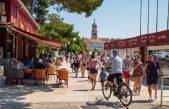 Grad Krk i plaža Redagara u top 6 svjetskih pet friendly destinacija prema izboru korisnika Booking.coma