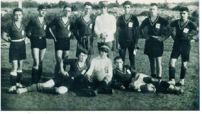 FOTO Omišaljski nogometni vremeplov: OŠK Omišalj slavi 90. rođendan, a priča o povijesti kluba je i priča o povijesti nogometa