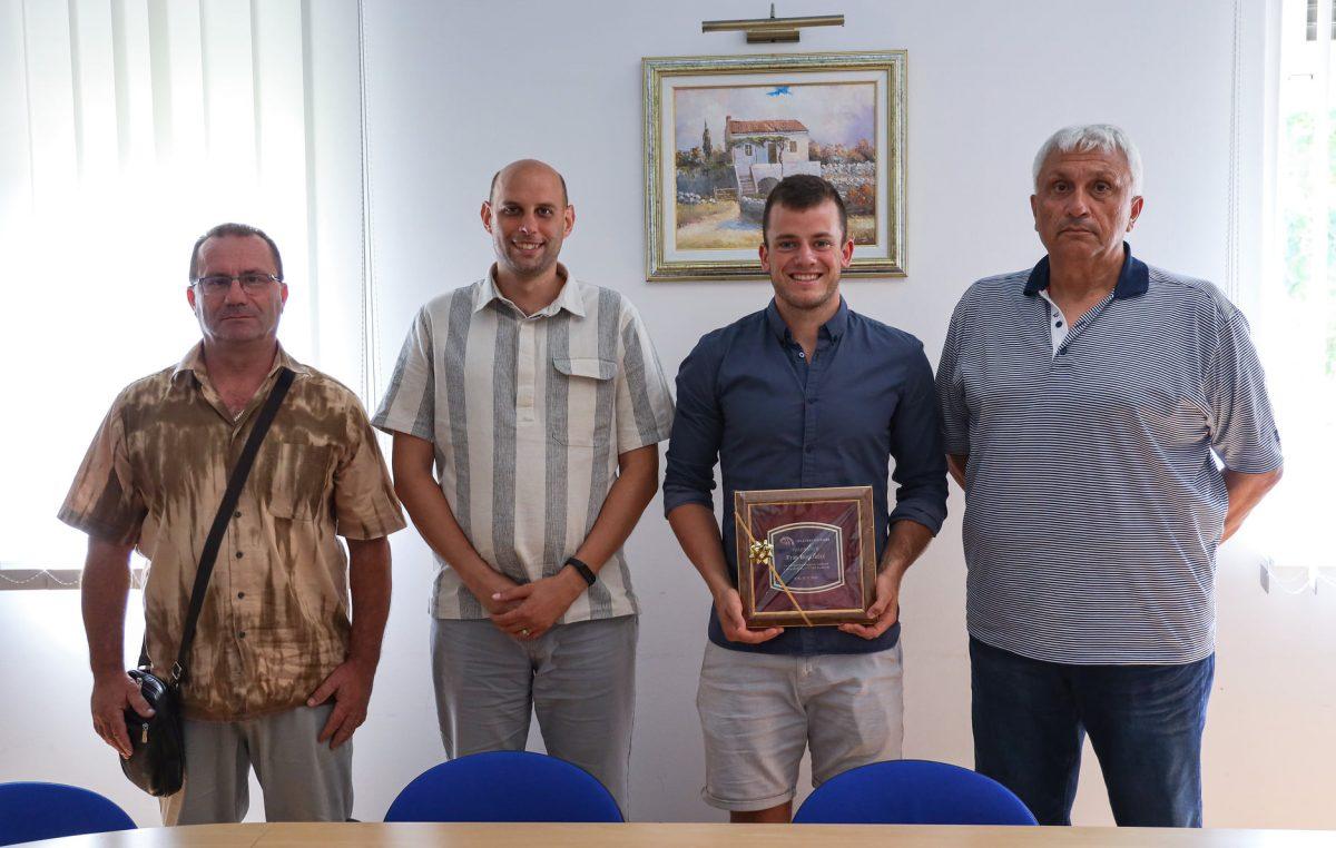 Franu Bonifačiću nagrada Općine Punat za iznimne rezultate u atletici