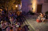 VIDEO Psovka, satira, piva i kapula: Koncert za žlice i gitaru do suza nasmijao Dobrinjce