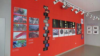 U Galeriji Decumanus otvorena izložba U kontrapunktu: K.O.Z.M.O.G.O.N.I.J.E.: MMXXI