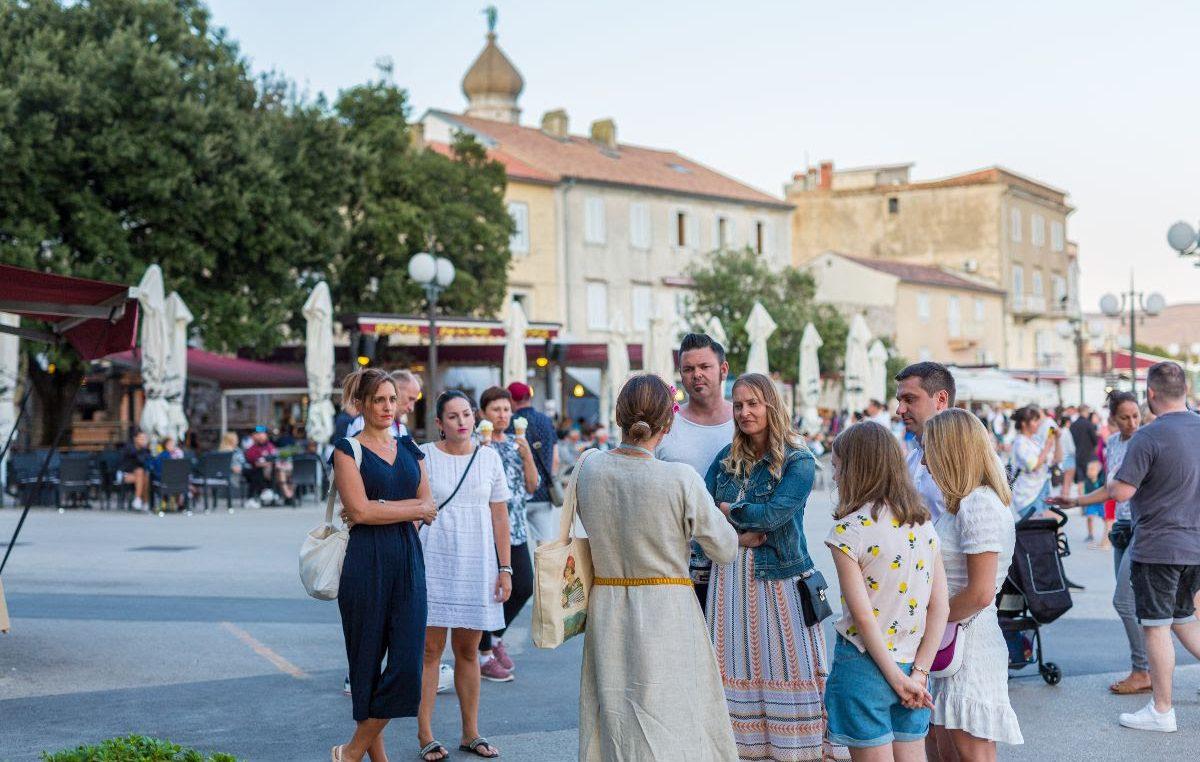 Uspješno realizirano sedam interpretacijskih šetnji u gradu Krku