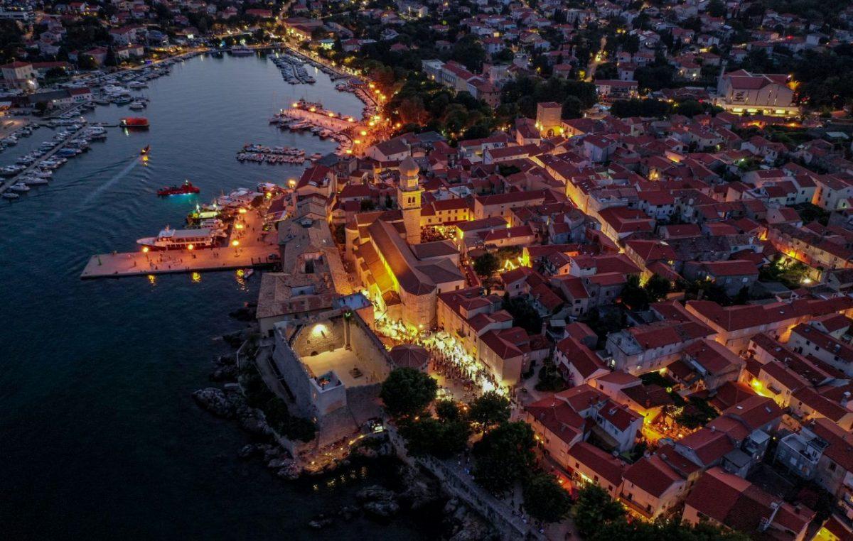 U gradu Krku ostvareno milijun noćenja u komercijalnom smještaju!