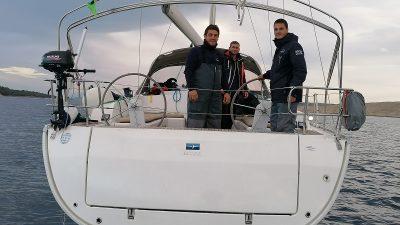 Razgovarali smo s momcima koji su kod Punta spasili češke nautičare: Bura je divljala 140 km/h, dijete se treslo, žena je plakala