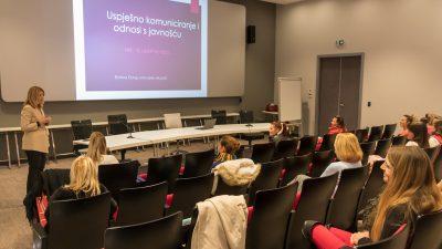 """Projekt Aktivne otočanke: Ermina Duraj u Krku održala radionicu """"Uspješno komuniciranje i odnosi s javnošću"""""""