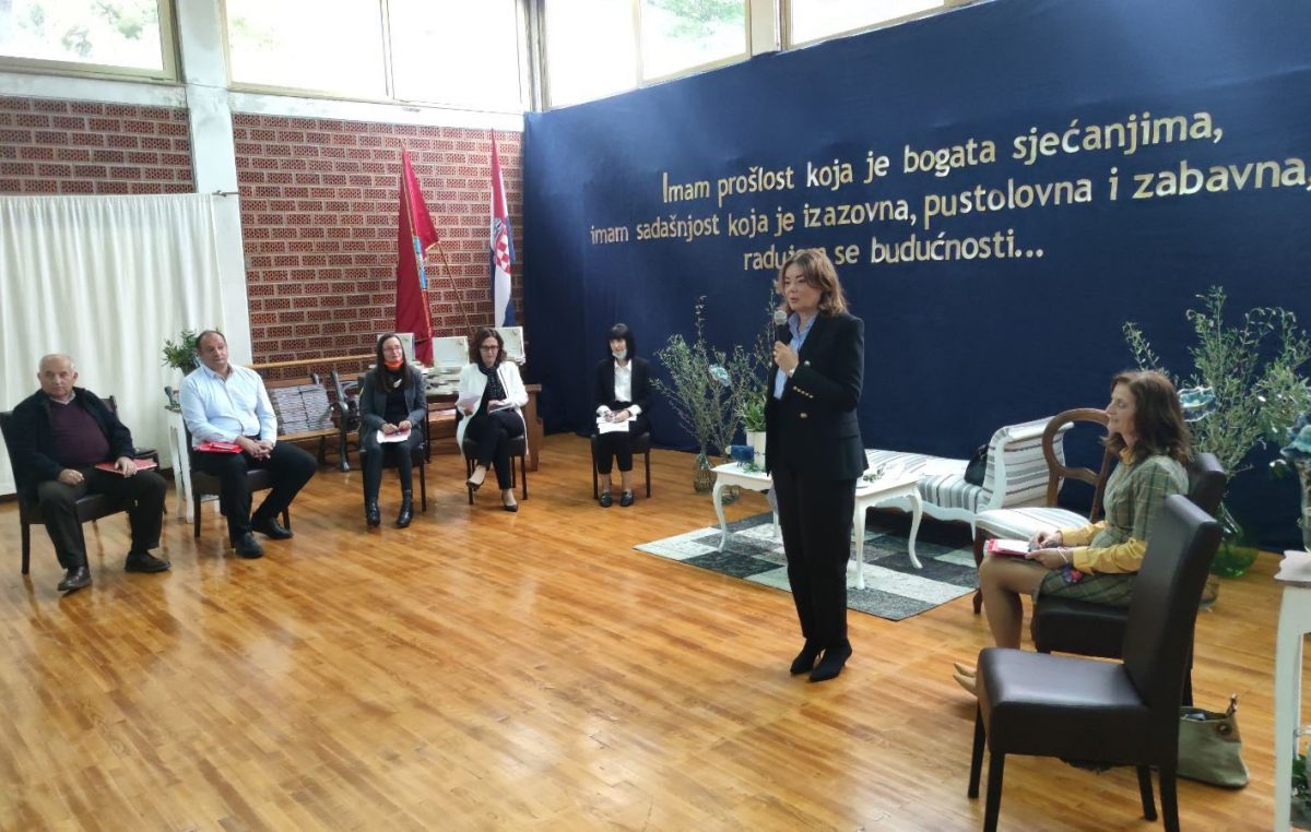 Radni sastanak: Krčka Srednja škola Hrvatski kralj Zvonimir ugostila ravnatelje srednjih škola i učeničkih domova PGŽ-a